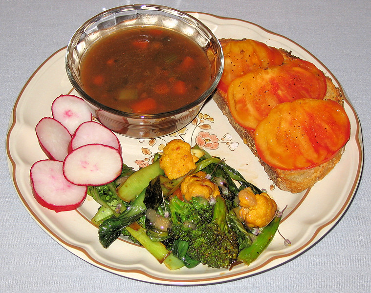 20060606 Baby bok choy - broccoli - orange cauliflower saute with lentil soup