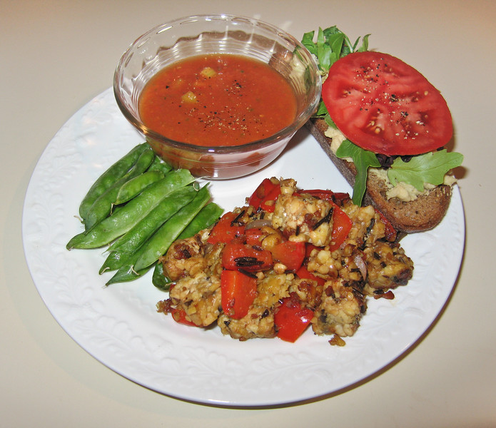 00aFavorite 20100509 Gazpacho soup, sauteed tempeh