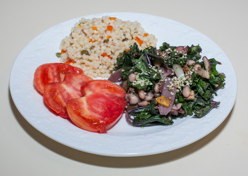 00aFavorite 20130624 Kale - Elephant Garlic - Great Northern Bean Saute, Israeli Couscous w Bell Pepper and Olive (No Added Fat) (1902)