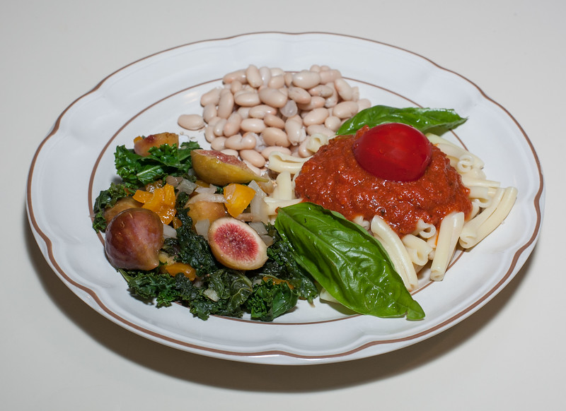 00aFavorite 20130812 Fresh Fig and Kale Saute w Cannellini Beans, Strozzapreti Pasta (No Added Fat) (1922)