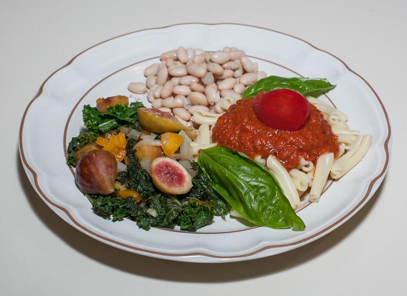 00aFavorite 20130812 Fresh Fig and Kale Saute w Cannellini Beans, Strozzapreti Pasta (No Added Fat) (1922)