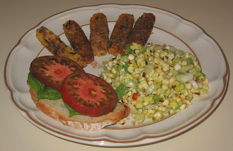 $20070610 Roasted Corn-Avocado Salad with Jerk Tempeh and Basil - Heirloom Tomato on Lemon Boule