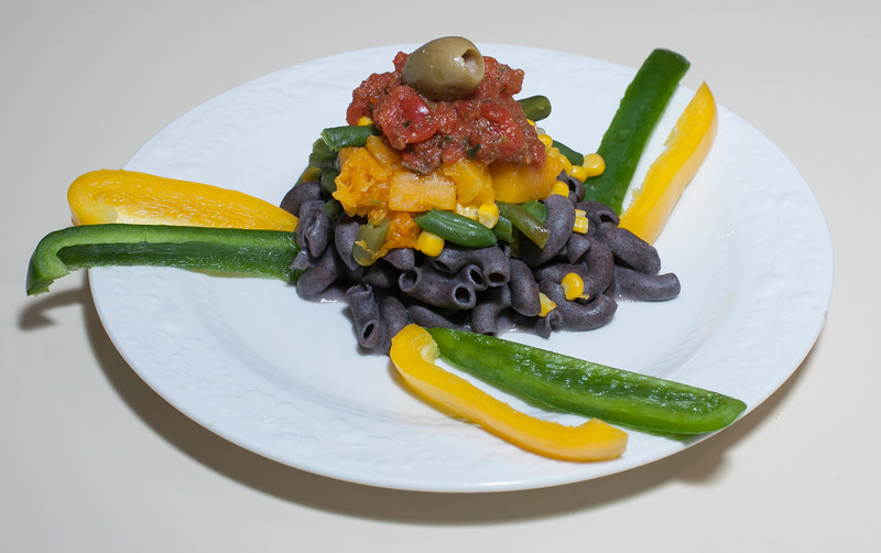 00aFavorite 20170325 (1952) Three Sisters Black Bean Elbow Pasta w Butternut Squash, Green Beans, and Corn (No Added Fat)