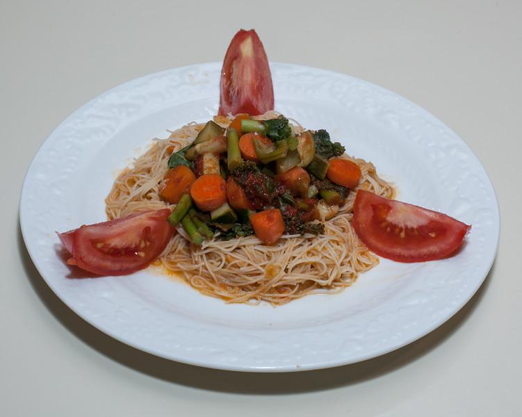 00aFavorite 20141028 Vegetables in Lentil-Drenched Brown Rice Noodles (No Added Fat) (1833)