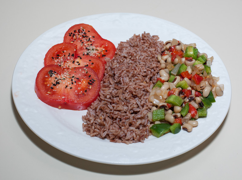 00aFavorite 20140408 Black-Eyed Peas w Chickpea Miso and Roasted Red Bell Pepper, Madagascar Pink Rice (No Added Fat) (2000)
