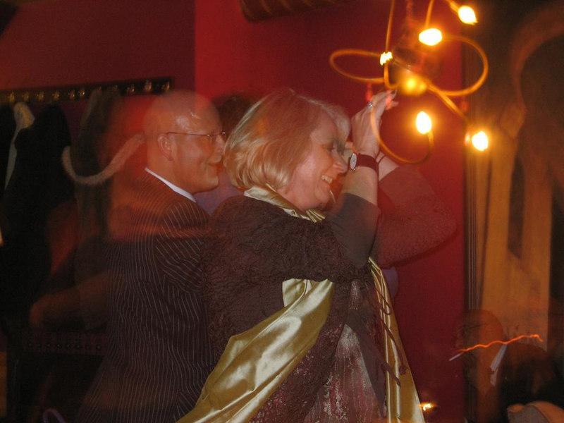 Roel dancing