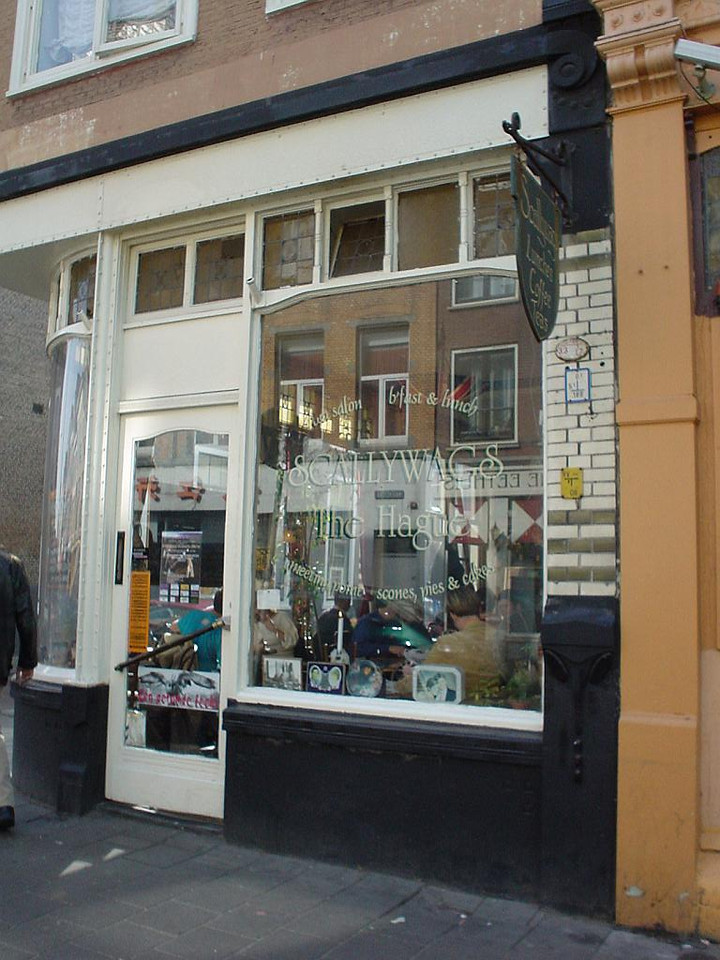 "Entrance to <a href=""http://www.scallywagsrestaurants.com/index2.html"">Scallywags, the lunchroom</a> in the Wagenstraat"