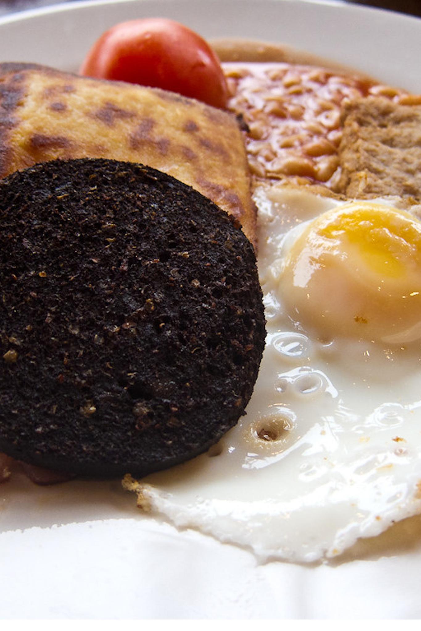 Black pudding in a full Scottish breakfast