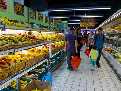 Paris, France, Asian Supermarket in Chinatown, Tang Freres, people Shopping