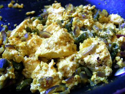 Scrambled Tofu with Asparagus