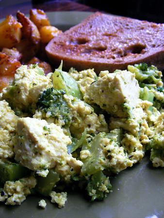 Broccoli Scrambled Tofu