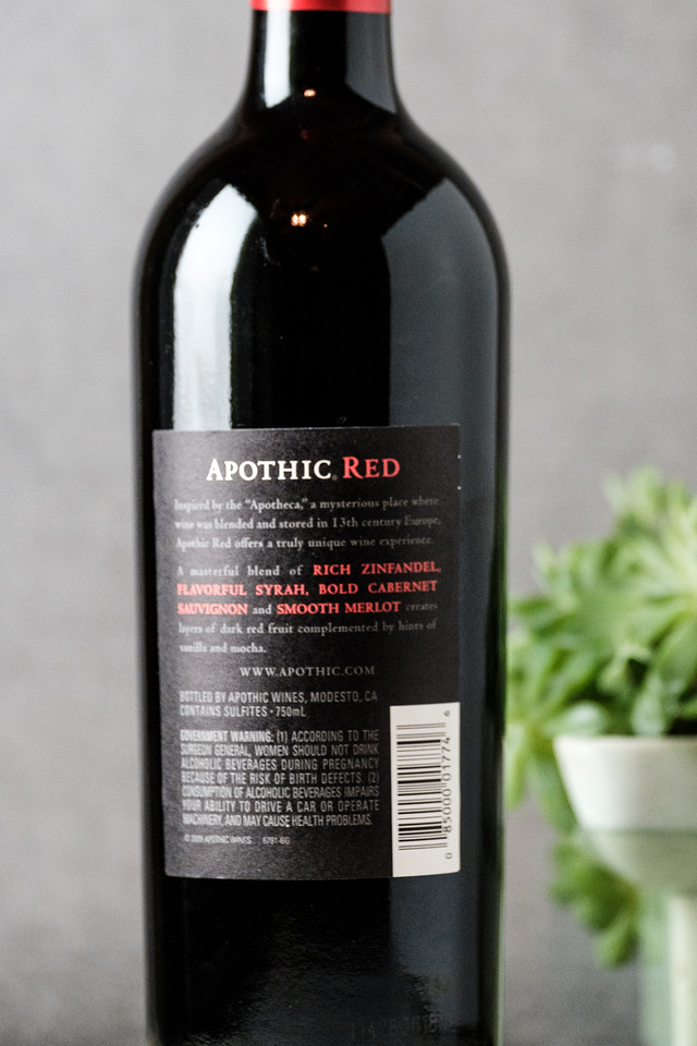 Back of the wine bottle of Apothic Red Winemaker's Blend 2016