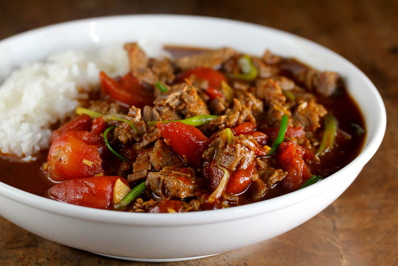Stir-fried ginger tomato beef