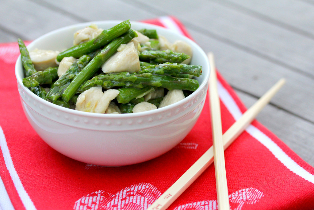 Velvet Chicken with Asparagus