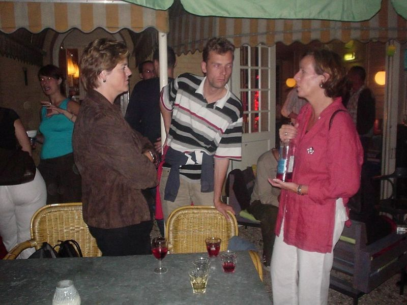 "Renée and Marc talking about wine to a person from <a href=""http://www.vinodor.nl/"">Vinodor</a>, who sponsors the rosé for ZANDhap"