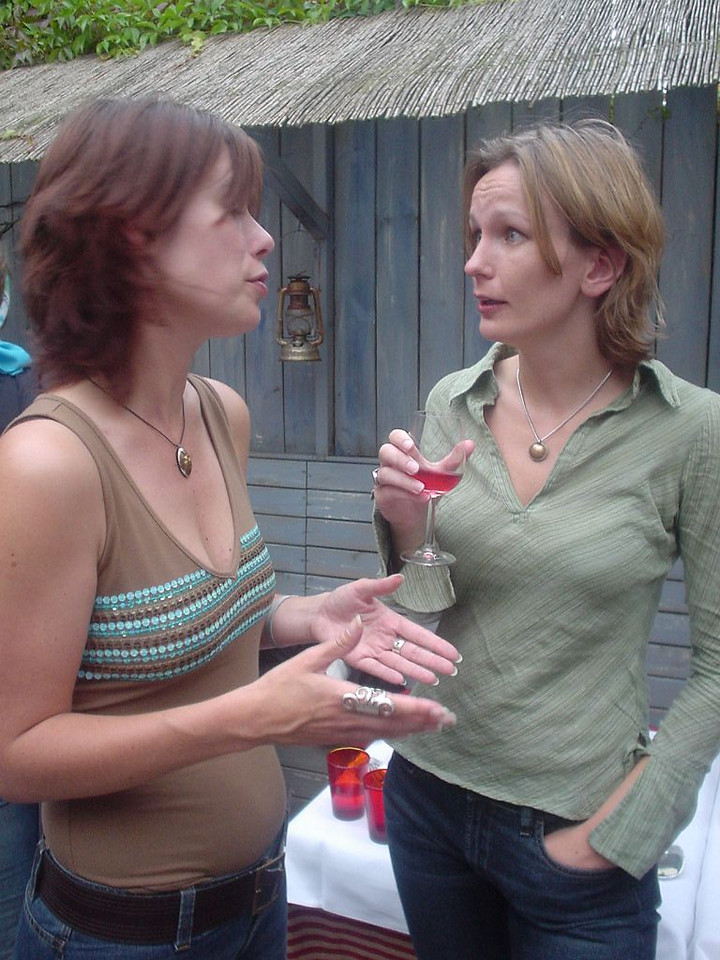 Jessica and Petra chatting, Petra looking amazed at something she said...