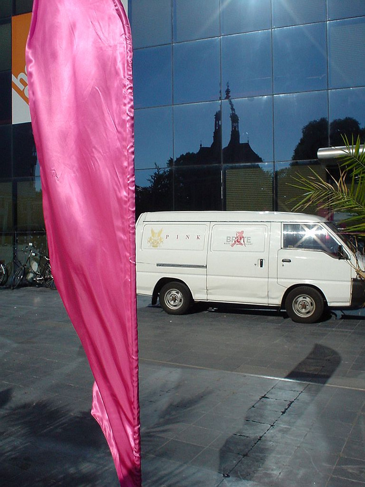 "PINK rosé, prime <a href=""http://www.vinodor.nl/"">sponsor</a> with their familiar banner flags."