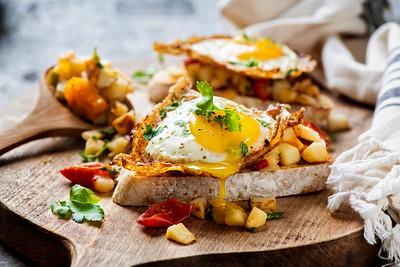 Eggs 'n country potatoes