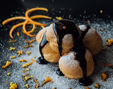 profiteroles with chocolate glaze