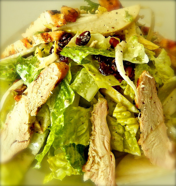 Pear Salad with Grilled Chicken