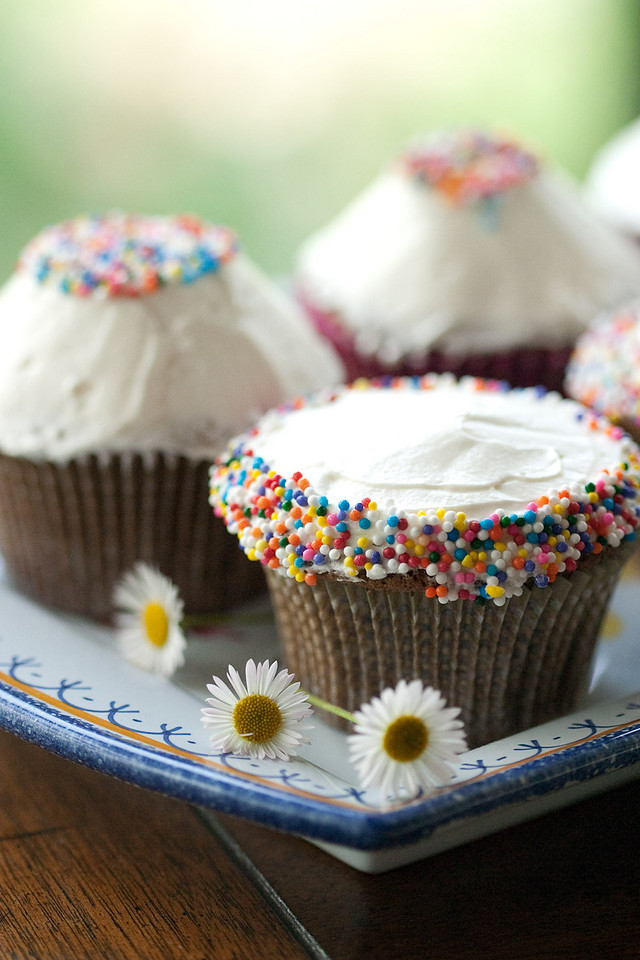 Spring cupcakes with Seurat sprinkles.