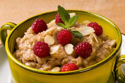 oatmeal with raspberry
