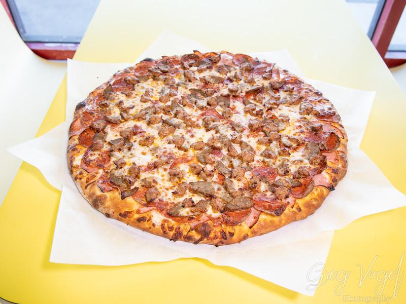 AntoniosPizza_XLPizza_MeatLovers.jpg