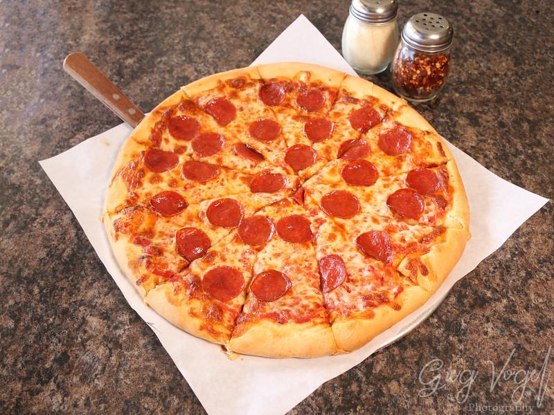 CirosPizza_PeperoniPizza.jpg