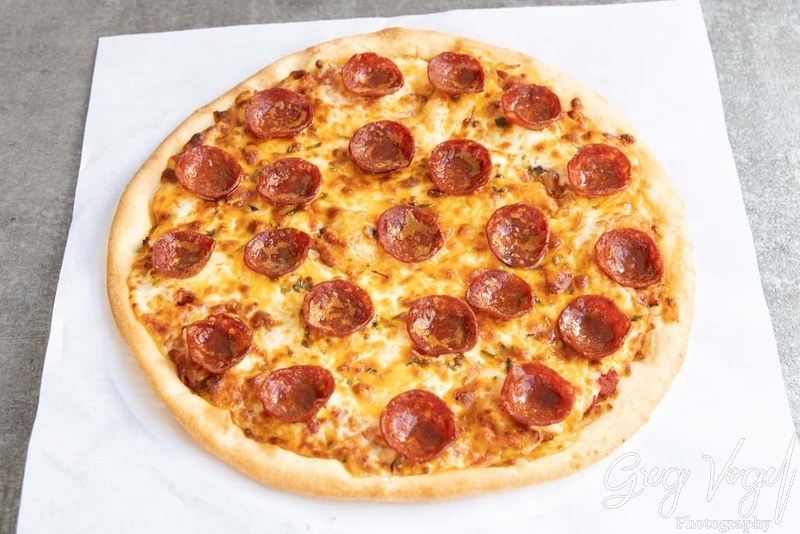 MomosGrill_HalalPeperoniPizza.jpg