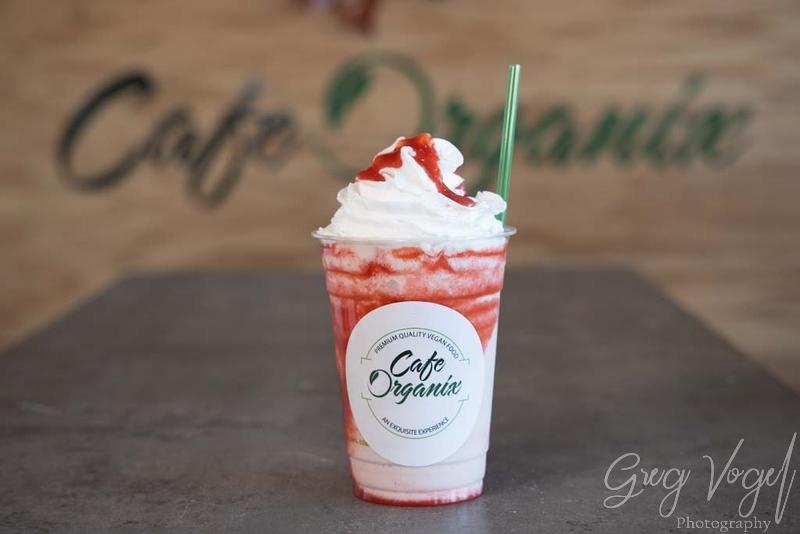 CafeOrganix_StrawberryShake.jpg