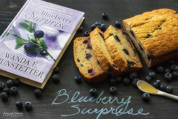 Blueberry Surprise - tea bread with honey, bananas and fresh blueberries