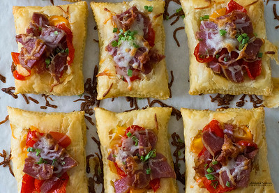 Dry Beer Salami, Piquante Pepper, Tomato and Cheese Tarts - Catalog #4072