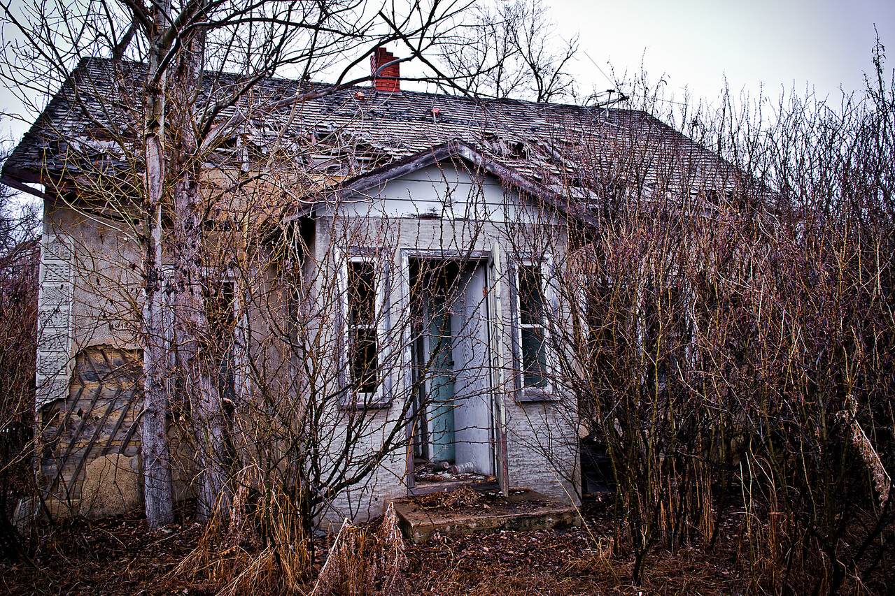 Sinkhole Farmhouse
