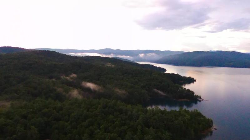 wild jocassee pristine lake in south carolina