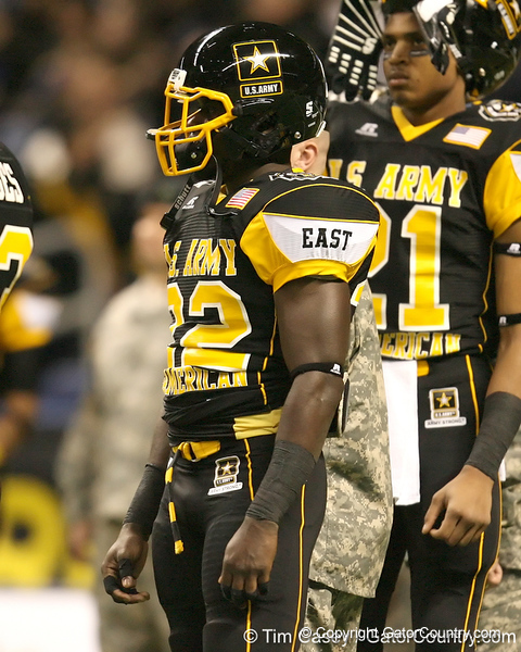 West Palm Beach, Fla. (Dwyer HS) defensive back Matt Elam lines up during the first half of the U.S. Army All-American Bowl on Saturday, January 9, 2010 at the Alamodome in San Antonio, Texas. / Gator Country photo by Tim Casey