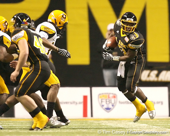 Stamford, Conn. (King & Low Heywood Thomas HS) running back Silas Redd runs with the ball during the first half of the U.S. Army All-American Bowl on Saturday, January 9, 2010 at the Alamodome in San Antonio, Texas. / Gator Country photo by Tim Casey