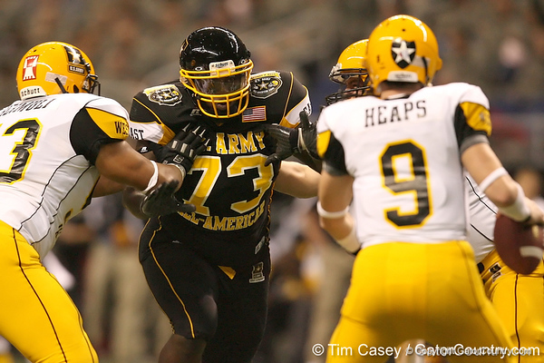 Philadelphia (Washington HS) defensive tackle Sharrif Floyd pressures the quarterback during the first half of the U.S. Army All-American Bowl on Saturday, January 9, 2010 at the Alamodome in San Antonio, Texas. / Gator Country photo by Tim Casey
