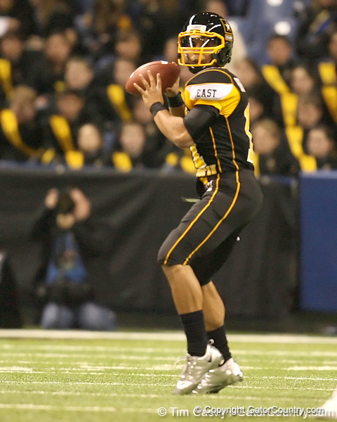 Memphis, Tenn. (Memphis University School) quarterback Barry Brunetti looks to pass during the first half of the U.S. Army All-American Bowl on Saturday, January 9, 2010 at the Alamodome in San Antonio, Texas. / Gator Country photo by Tim Casey