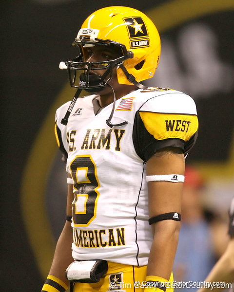 San Antonio (James Madison HS) wide receiver Nate Askew lines up during the first half of the U.S. Army All-American Bowl on Saturday, January 9, 2010 at the Alamodome in San Antonio, Texas. / Gator Country photo by Tim Casey