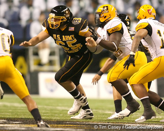 Fort Lauderdale, Fla. (St. Thomas Aquinas HS) center Brandon Linder blocks during the first half of the U.S. Army All-American Bowl on Saturday, January 9, 2010 at the Alamodome in San Antonio, Texas. / Gator Country photo by Tim Casey
