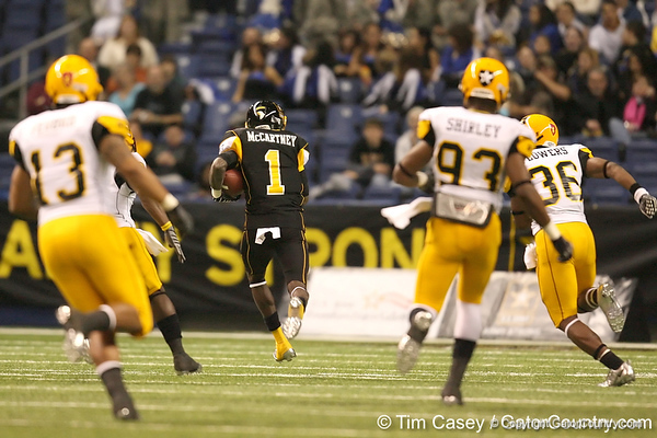 Miramar (Miramar HS) wide receiver Ivan McCartney runs for a touchdown during the second half of the U.S. Army All-American Bowl on Saturday, January 9, 2010 at the Alamodome in San Antonio, Texas. / Gator Country photo by Tim Casey