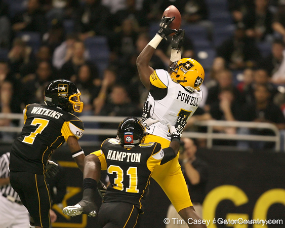 Moreno Valley, Calif. (Rancho Verde HS) defensive end Ronald Powell catches a 23-yard touchdown reception during the first quarter of the U.S. Army All-American Bowl on Saturday, January 9, 2010 at the Alamodome in San Antonio. / Gator Country photo by Tim Casey