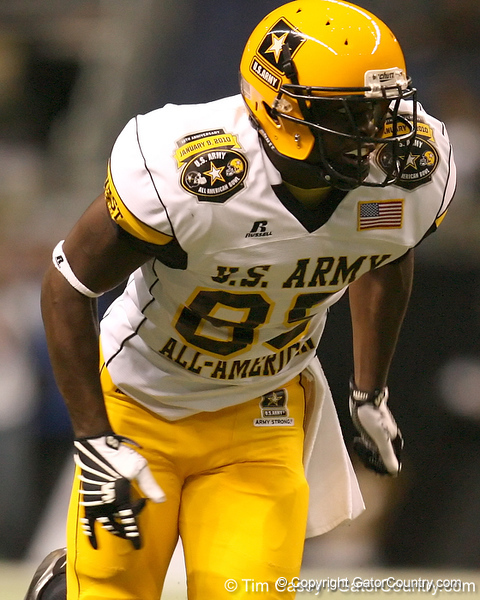 Palmdale, Calif. (Highland HS) tight end Christian Thomas runs a pass route during the second half of the U.S. Army All-American Bowl on Saturday, January 9, 2010 at the Alamodome in San Antonio, Texas. / Gator Country photo by Tim Casey