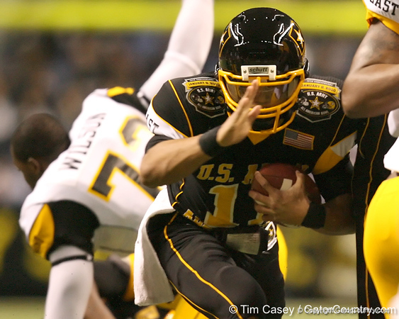 Memphis, Tenn. (Memphis University School) quarterback Barry Brunetti runs the ball during the first half of the U.S. Army All-American Bowl on Saturday, January 9, 2010 at the Alamodome in San Antonio, Texas. / Gator Country photo by Tim Casey