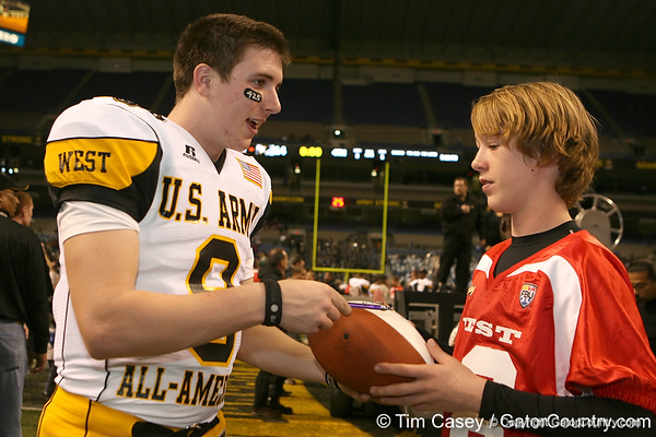 Sammamish, Wash. (Skyline HS) quarterback Jake Heaps signs an autograph after the U.S. Army All-American Bowl on Saturday, January 9, 2010 at the Alamodome in San Antonio, Texas. / Gator Country photo by Tim Casey