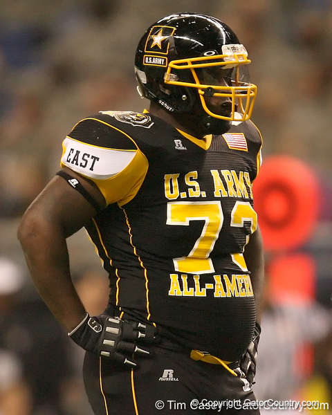 Philadelphia (Washington HS) defensive tackle Sharrif Floyd lines up during the first half of the U.S. Army All-American Bowl on Saturday, January 9, 2010 at the Alamodome in San Antonio, Texas. / Gator Country photo by Tim Casey