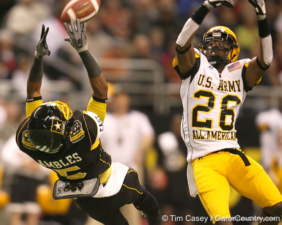 McDonough, Ga. (Henry County HS) wide receiver Markeith Ambles  makes a catch during the first half of the U.S. Army All-American Bowl on Saturday, January 9, 2010 at the Alamodome in San Antonio, Texas. / Gator Country photo by Tim Casey