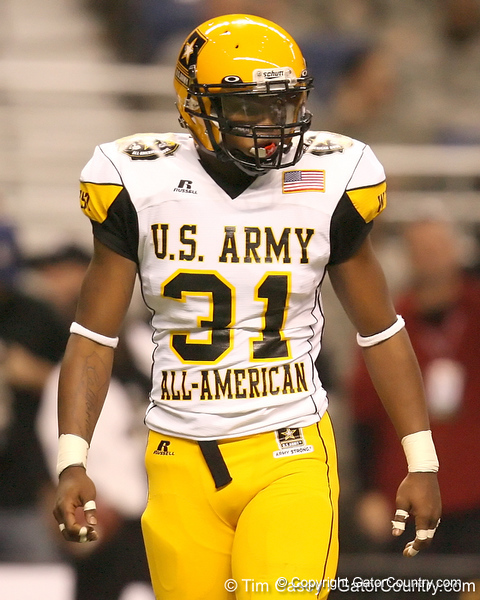 Chula Vista, Calif. (Eastlake HS) linebacker Tony Jefferson gets in position during the second half of the U.S. Army All-American Bowl on Saturday, January 9, 2010 at the Alamodome in San Antonio, Texas. / Gator Country photo by Tim Casey