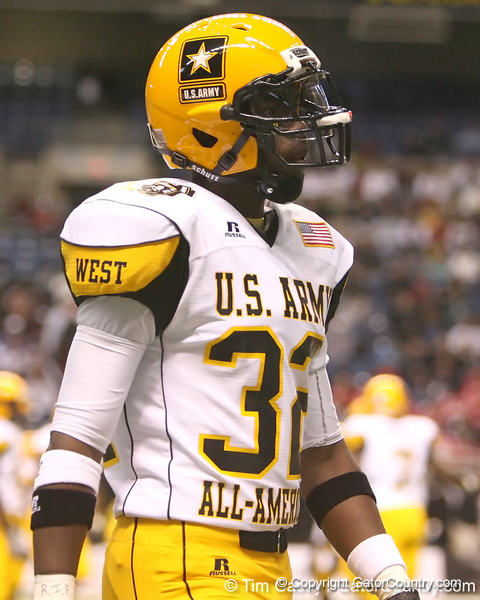 Theodore, Ala. (Theodore HS) linebacker C.J. Mosley lines up during the first half of the U.S. Army All-American Bowl on Saturday, January 9, 2010 at the Alamodome in San Antonio, Texas. / Gator Country photo by Tim Casey