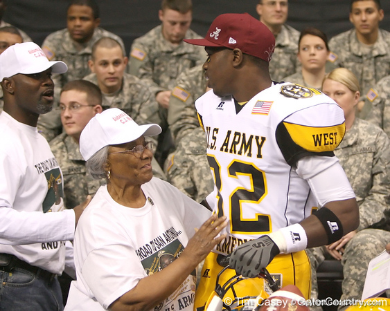 Theodore, Ala. (Theodore HS) linebacker C.J. Mosley announces his verbal commitment to play for the University of Alabama during the first half of the U.S. Army All-American Bowl on Saturday, January 9, 2010 at the Alamodome in San Antonio, Texas. / Gator Country photo by Tim Casey